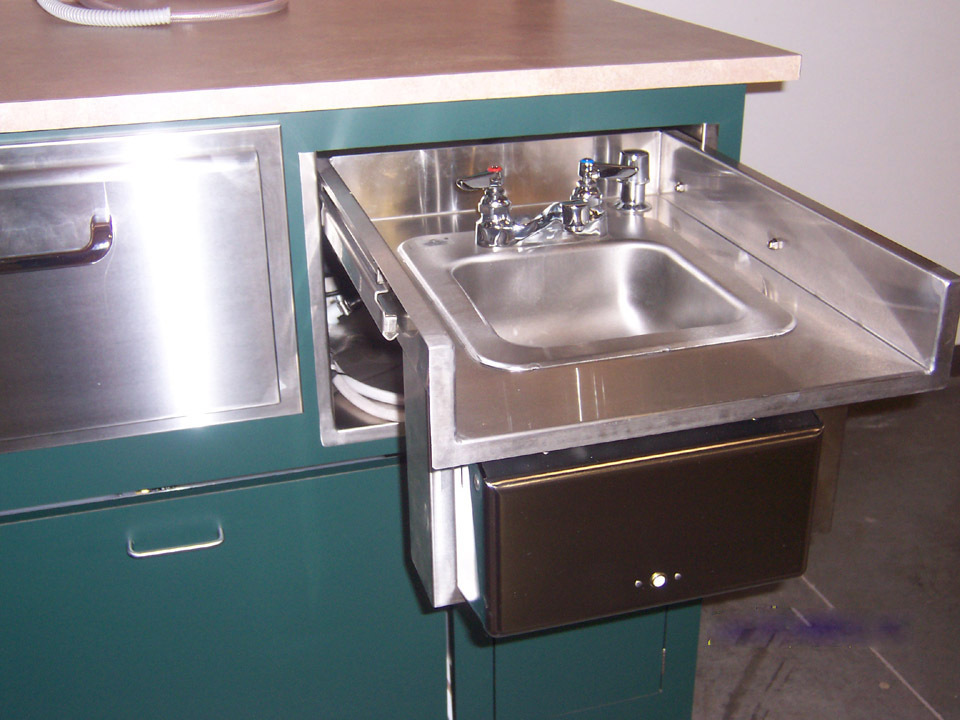 Portable Sink Cart With Hot, Fresh, And Waste Water Tanks