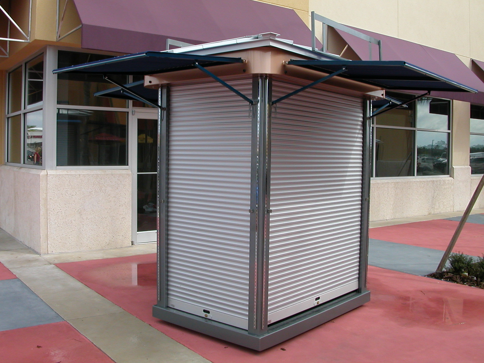 Outdoor retail mall kiosk rmu | Merchandising Frontiers Inc